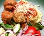 Crockpot-Italienska köttbullar med vitlök och parmesan itomatsås